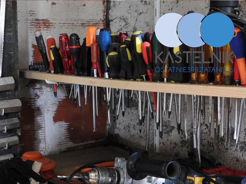 Sprzątanie garażu po zgonie mężczyzny w Legnicy